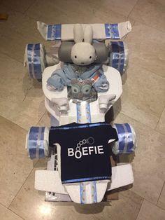 Een persoonlijke favoriet uit mijn Etsy shop https://www.etsy.com/nl/listing/503755851/luiertaart-race-auto-nijntje-diaper-cake