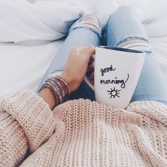 Photo Morning cozy outfit from Trendy Outfit Ideas To Update Your Look Foto Casual, Girly, Foto Pose, Look Cool, Sweater Weather, Belle Photo, Good Morning, Morning Coffee, Coffee Cozy