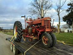 H FARMALL with Mounted 2-Row Planters