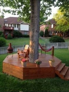 Providing a sitting spot in your backyard can be a very simple way to turn it from the boring exterior area to a joyful outdoor living space. We share lots of inspiring backyard seating ideas that you can use as the ultimate reference. Large Backyard Landscaping, Backyard Seating, Backyard Garden Design, Backyard Projects, Backyard Patio, Landscaping Ideas, Inexpensive Landscaping, Patio Ideas, Small Deck Ideas On A Budget