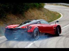 "National Geographic Cars ""Pagani Huayra"""