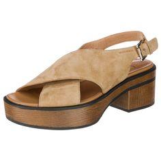 Die modischen VAGABOND Sandaletten haben eine weiche Rauleder-Oberfläche und sorgen mit ihrem Blockabsatz in Holz-Optik für einen modischen Auftritt.