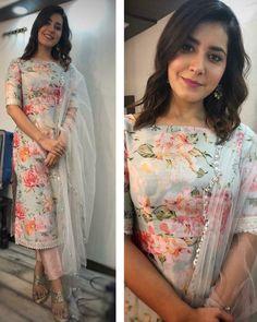 designer suits for women indian ~ designer suits for women indian Salwar Designs, Simple Kurti Designs, Kurta Designs Women, Kurti Designs Party Wear, Designer Anarkali Dresses, Pakistani Designer Suits, Designer Dresses, Indian Designer Clothes, Pakistani Suits