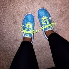 Blue/ colt colored Nike sneakers Blue/ volt colored Nike beakers size 7 1/2 with optional lace color change Nike Shoes Sneakers