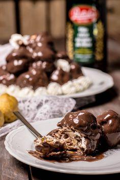 Profiteroles – Impastando a quattro mani Mini Desserts, Plated Desserts, Profiteroles, Biscotti, Scones, Macarons, Mousse, Cereal, Food And Drink