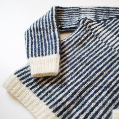 Detail of the reversible Icelandic Plötulopi wool sweater | Hand knit ▥