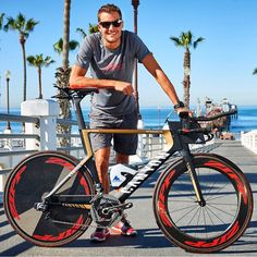 Jan Frodeno with with custom Speedmax CF complete with the SRAM wireless prototype and prototype hydration system Canyon Bike, Triathlon Gear, Big Boyz, Bike Photography, Road Bike, Corvette, Iron Man, Cycling, Poses
