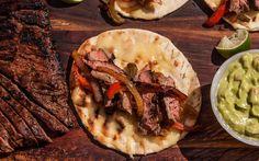 A classic skirt steak fajitas recipe, with marinated beef, bell peppers, an Steak Fajita Recipe, Grilled Steak Recipes, Kebab Recipes, Steak Fajitas, Grilling Recipes, Beef Recipes, Yummy Recipes, Dinner Recipes, Grilled Skirt Steak