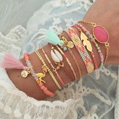 Looooove this arm party!:Looooove this arm party!:Looooove this arm party! Cute Jewelry, Boho Jewelry, Jewelry Box, Jewelery, Handmade Jewelry, Fashion Jewelry, Jewelry Making, Stylish Jewelry, Bullet Jewelry