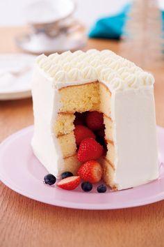 クリスマスケーキは「かくれんぼケーキ」で。| 切ったら具がごろっ!?「 かくれんぼケーキ」でサプライズ。