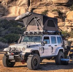 it's a jeep thing: Photo - Best Picture For Jeeps videos For Your Taste You are looking for something, and it is going to te - Jeep Wrangler Camping, Jeep Camping, Jeep Wrangler Rubicon, Jeep Wrangler Unlimited, Jeep Wranglers, Jeep Jl, Jeep Cars, Jeep Truck, Cars Auto