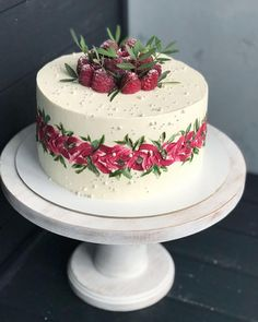 Terrific Pic fruit cake wedding Tips - yummy cake recipes Pretty Cakes, Cute Cakes, Yummy Cakes, Fresh Cake, Bon Dessert, Painted Cakes, Buttercream Cake, Savoury Cake, Creative Cakes