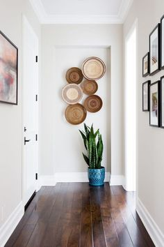 How to make your Home Interior Decorating successful? Interior Design Tips, Interior Exterior, Interior Colors, Luxury Interior, Home Decor Accessories, Decorative Accessories, Yellow Home Accessories, Decorative Accents, Cheap Home Decor