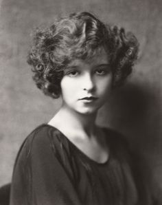 16 year old Clara Bow <3 1921