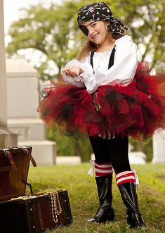 Pirate Costume tutu black and red halloween by Zacharydickorydock Diy Girls Costumes, Halloween Costumes, Pirate Costumes, Halloween Ideas, Costume Ideas, Pirate Bandana, Diy For Girls, Fancy Dress, Pirates