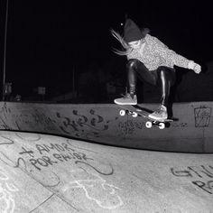 Skate girl ollie