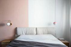 ישנים בסטייל- טיפים שווים ממעצבים לעיצוב חדר השינה - PICKINTERI Bedroom, Wall, House, Furniture, Home Decor, Decoration Home, Home, Room Decor, Bedrooms