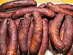 Hanácké klobásy Salami Recipes, Homemade Sausage Recipes, Meat Recipes, Smoking Recipes, Kielbasa, White Meat, Smoking Meat, Food 52, Charcuterie