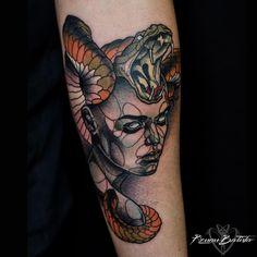 Brazilian. Berlin based Tattoo Artist @berlininktattoo. Contact only via renanbatistatattoo@gmail.com