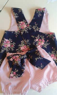 Girls Summer Outfits, Cute Outfits For Kids, Little Girl Dresses, Girls Dresses, Baby Girl Fashion, Kids Fashion, Girl Dress Patterns, Baby Pants, Baby Kind