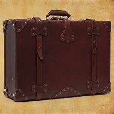 Leather Suitcase by Saddleback Leather - Silodrome