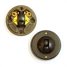 A good quality Bakelite and Ceramic lightswitch by Crabtree. 2 Terminal. In good overall condition, crisp action and no damage to the ceramic base. Please note, that this item should be installed by suitably qualified electrician.