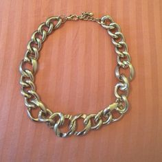Chunky gold chain necklace adjustable Chunky gold chain link necklace perfect condition, adjustable clasp. Max 18 inches. Jewelry Necklaces