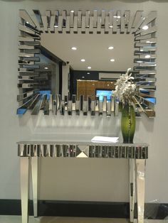 Mirror Decor Living Room, Home Decor Mirrors, Entryway Decor, Wall Decor, Mirrored Furniture, Deco Furniture, Home Decor Furniture, Furniture Design, Hallway Decorating