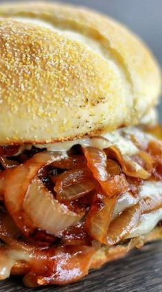 French Onion Soup Burger with Garlic Aioli Recipe Cooking with Jax Hamburger Recipes, Beef Recipes, Cooking Recipes, Onion Soup Hamburger Recipe, Chicken Recipes, Panini Recipes, Cooking Ribs, Onion Recipes, Cooking Games