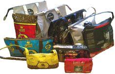 Italiaanse koffie tassen. Een unieke handtas gemaakt van Italiaanse koffiezakken, wie wil dat nu niet? / Koffieblog