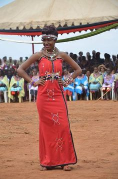"""Miss Makueni shpws off modern Maasai fashion at Mbirikani womens project launch. African Wedding Attire, African Attire, African Wear, African Style, African Beauty, African Dress, African Traditional Wear, Traditional Dresses, African Print Fashion"