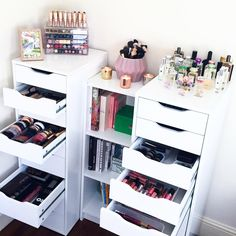 "9,318 Likes, 86 Comments - Amelia Liana (@amelialiana) on Instagram: ""One of my most highly requested videos ever went up recently! My makeup collection & storage…"""