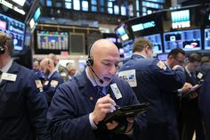 Wall Street pushed back hard on Friday against a report that congressional Republicans are weighing a plan to severely limit the amount of money Americans can contribute to their 401(k)s. The Capit…