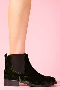 Esmeralda Boot - Green velour