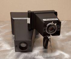 Camera Polaroid - The Best Piece To See When Evaluating Photography Info Vintage Polaroid, Vintage Cameras, The Impossible Film, Fotografia Macro, Aperture, Shutter Speed, Fujifilm Instax Mini, Shadow Box