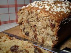 Recette de Cake son d'avoine, amandes et raisins secs : la recette facile