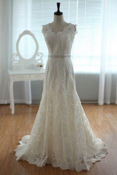 Vintage Lace Wedding Dress Deep V Open Back Mermaid Bridal Gown
