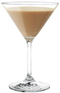 Chocolate Covered Cherry: by Pinnacle Vodka 2 oz. milk Splash chocolate syrup Shake with ice and strain into a chilled martini glass. Vodka Drinks, Cocktail Drinks, Fun Drinks, Yummy Drinks, Cocktail Recipes, Alcoholic Drinks, Beverages, Pinnacle Recipes, Pinnacle Vodka