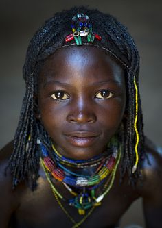 Mucawana Tribe Girl, Ruacana, Namibia | par Eric Lafforgue