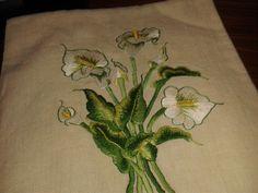 Asciugamano lino antico ricamato punto seta sfumato