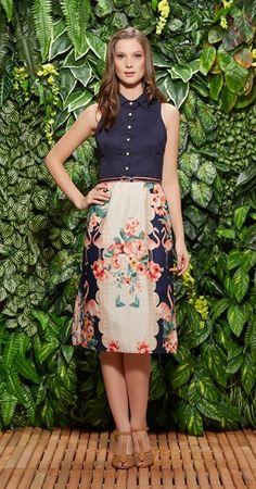 00020 - saia - blusa - cinto fino - gola - sem manga - azul caneta - floral - botões - modelagem reta.