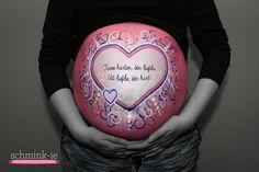 Buikschildering hart, heart bump painting, pregnant zwanger. Belly paint. www.schmink-ie.nl