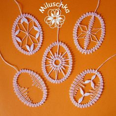 Velikonoční vajíčka II / Zboží prodejce Miluschka | Fler.cz Bobbin Lace Patterns, Lacemaking, Lace Heart, Lace Jewelry, String Art, Lace Detail, Tatting, Easter, How To Make