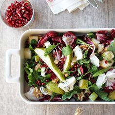 Moderni joulusalaatti | Maku Vegan Christmas, Vinaigrette, Bon Appetit, Feta, Salads, Dairy, Cheese, Baking, Winter Solstice