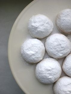 Kourabiedes - Greek Christmas Shortbread Cookies with Toasted Almonds and Icing Sugar Greek Sweets, Greek Desserts, Greek Recipes, Delicious Desserts, Dessert Recipes, Yummy Food, Dessert Bars, Christmas Deserts, Greek Christmas