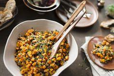 Kürbissalat mit Linsen und Mango | Zeit: 25 Min. | http://eatsmarter.de/rezepte/kuerbissalat-mit-linsen-und-mango