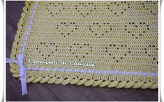 Copertine a uncinetto con schemi e spiegazioni | I gomitoli di Camilla Crochet Bebe, Crochet For Kids, Knit Crochet, Knitting Projects, Crochet Projects, Sewing Projects, Crochet Squares, Crochet Stitches, Crochet Designs
