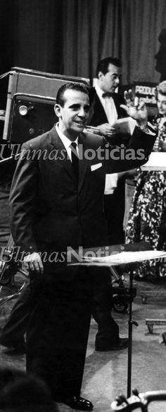 Billo Frómeta, fue un compositor y director de orquesta Venezolano de origen dominicano.  Con la muerte de Billo Frómeta se cerró una página importante en la historia musical venezolana, por cuanto su orquesta animó el espíritu nacional y le enseñó a querer no solo a la música nativa, sino también otros ritmos como la cumbia, el bolero y el merengue originario de su tierra. Foto: Archivo Fotográfico/Grupo Últimas Noticias