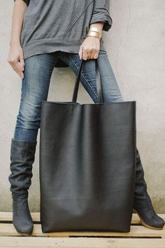 Black Oversized Giant Tote Bag van patkas op Etsy, $220.00