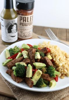 A fast and simple stir-fry style dinner, with a twist - add avocados and pair… Keto Recipes, Dinner Recipes, Cooking Recipes, Low Carb Meats, Pork Stir Fry, Work Meals, Healthy Snacks For Diabetics, Eat Fat, Pork Dishes